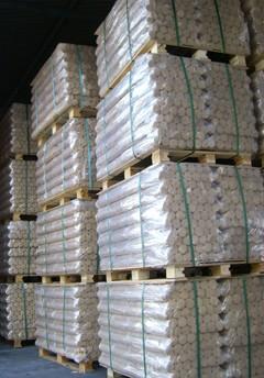 Wooden briquetes : storage