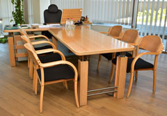 Office table and additional table - collection ART and visitor chairs from collection UK